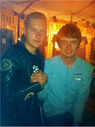 Zusammen mit Conor Cummins